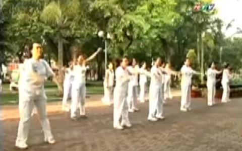 """ACC and Flat Feet on """"Chào Buổi Sáng"""" TV show"""