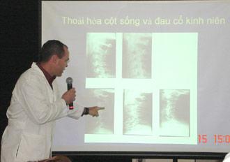 Bác sỹ Mỹ mở Phòng khám Thần kinh cột sống tại VN