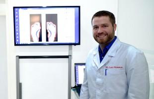 Bác sĩ Luke Hamman