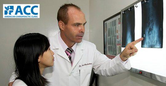 (VTC News) – Bác sỹ Wade Brackenbury, người Mỹ trả lời những thắc mắc về bệnh thần kinh cột sống.