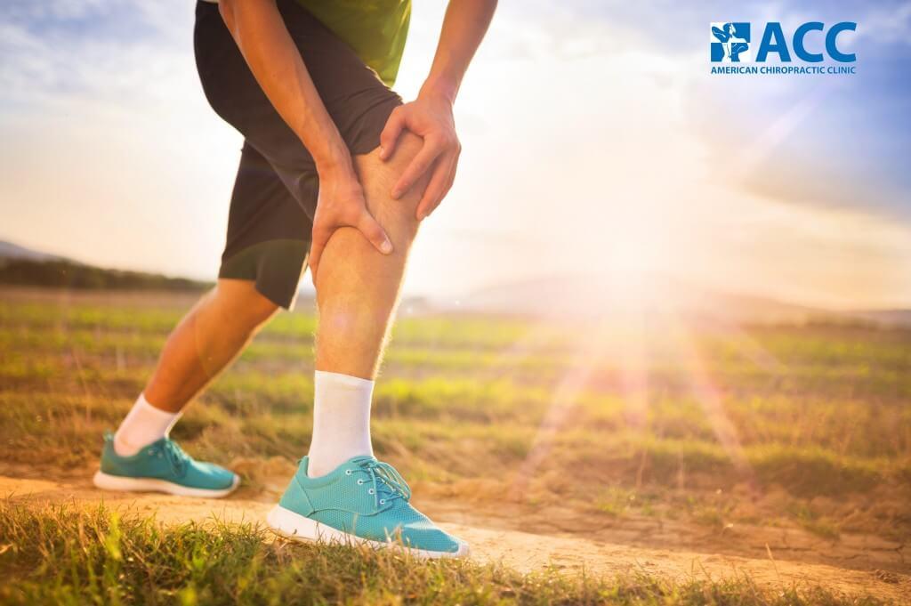 Đau khớp chân khiến người bệnh khó khăn trong vận động