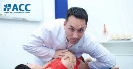 Chữa vẹo cột sống không cần phẫu thuật bằng phương pháp điều trị mới tại ACC