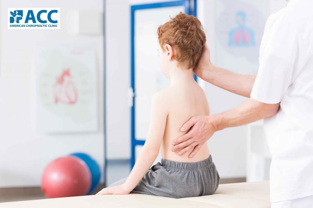 Vẹo cột sống là bệnh thường gặp ở trẻ nhỏ