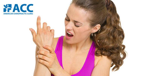Nhận biết triệu chứng và cách chữa trị trật khớp cổ tay