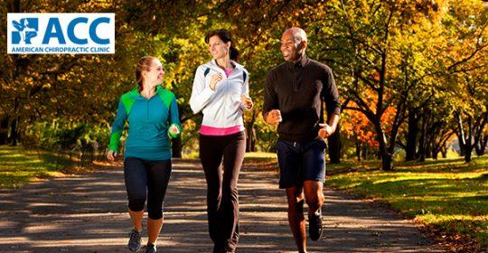 Người đau khớp gối có nên đi bộ không?