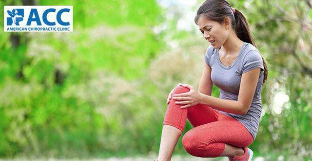 Đau đầu gối khi ngồi xổm là triệu chứng của bệnh gì?