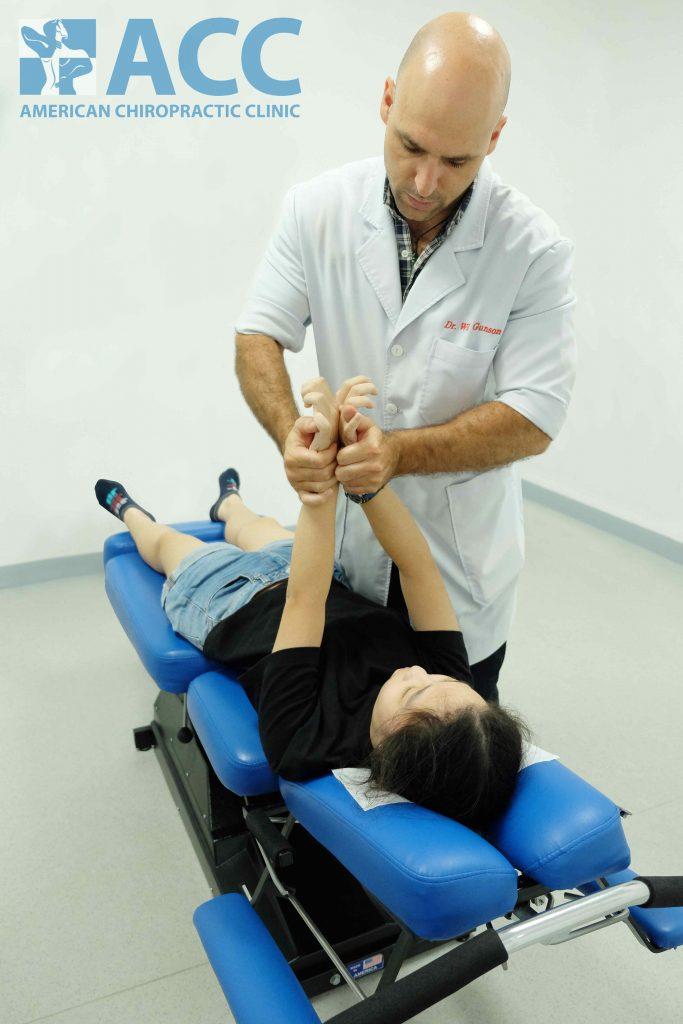 điều trị chứng đau cổ ở trẻ em tại ACC