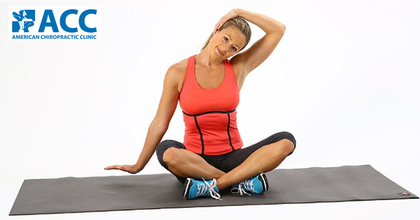 Bác sĩ ACC chia sẻ bài tập yoga chữa thoái hóa đốt sống cổ trên VnExpress