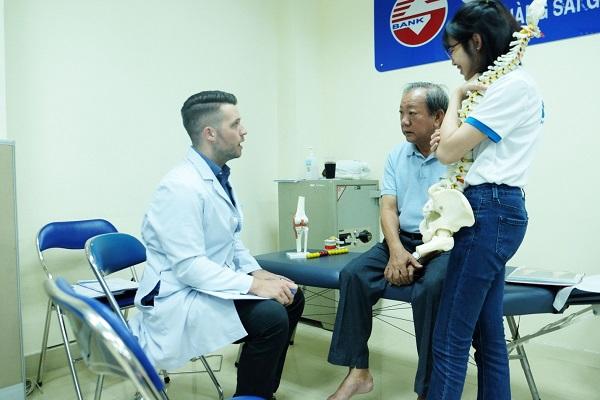 sự kiện ACC tháng 8 khám bệnh cơ xương khớp