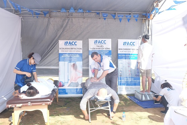 Hội chợ từ thiện quốc tế ACC tham gia