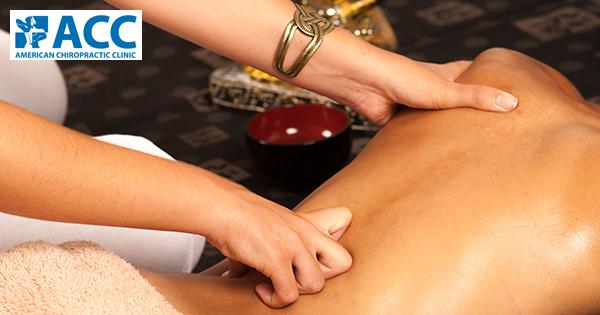 Liệu bấm huyệt có chữa đau lưng khỏi hoàn toàn?