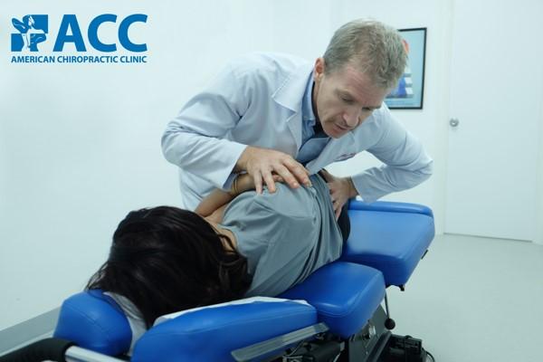 chữa đau lưng dưới không dùng thuốc tại acc