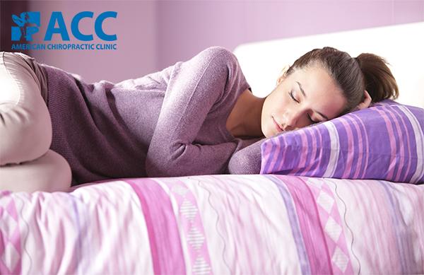 tư thế ngủ giúp giảm đau lưng dưới