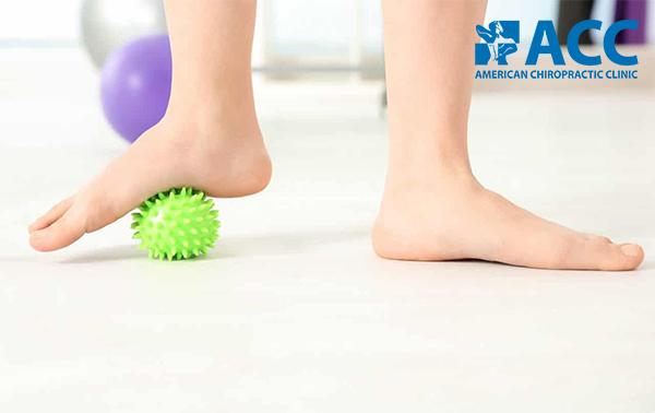 tập vật lý trị liệu cho trẻ bị bàn chân bẹt