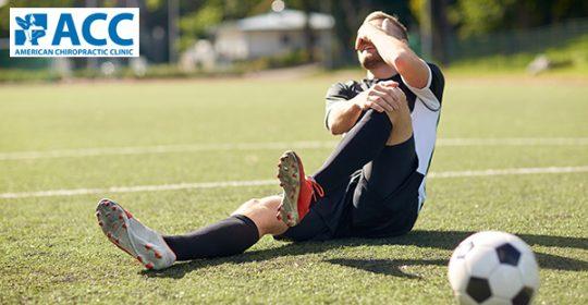 Đau đầu gối khi đá bóng: chớ nên xem thường!