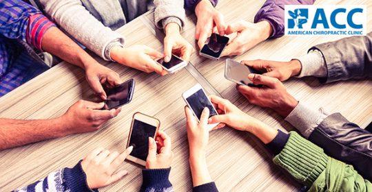 Đau cơ xương khớp do dùng smartphone: chớ nên xem thường!