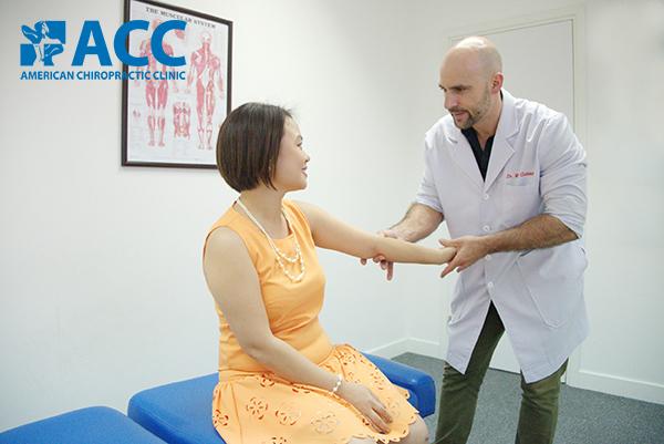 điều trị đau bắp tay tại ACC