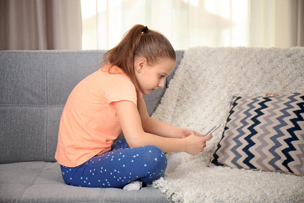 Bệnh gù lưng ở trẻ nhỏ: bố mẹ nên cẩn thận!