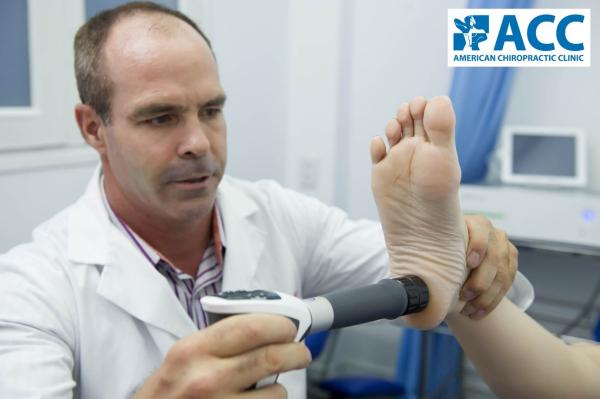 chữa đau bàn chân bằng sóng xung kích shockwave tại acc