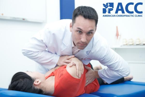 chữa đau cột sống thắt lưng tại phòng khám ACC