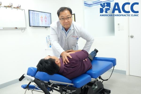chữa vẹo cột sống tại phòng khám ACC