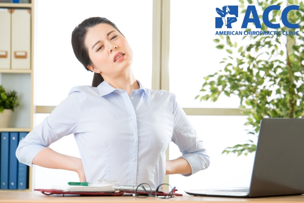 đau cột sống thắt lưng thường gặp ở nhân viên văn phòng