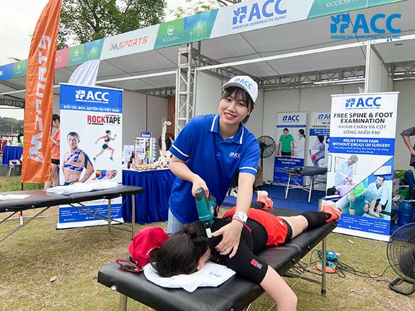 đội ngũ acc chăm sóc các vận động viên tại sự kiện