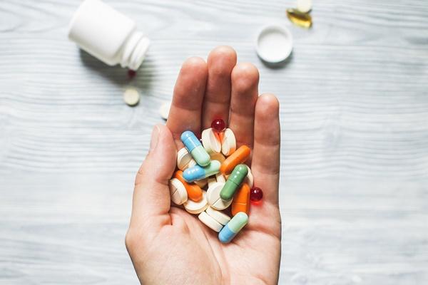 cẩn trọng khi dùng thuốc giảm đau