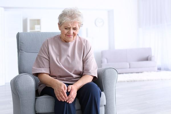 tuổi càng cao càng có nguy cơ bị đau xương khớp