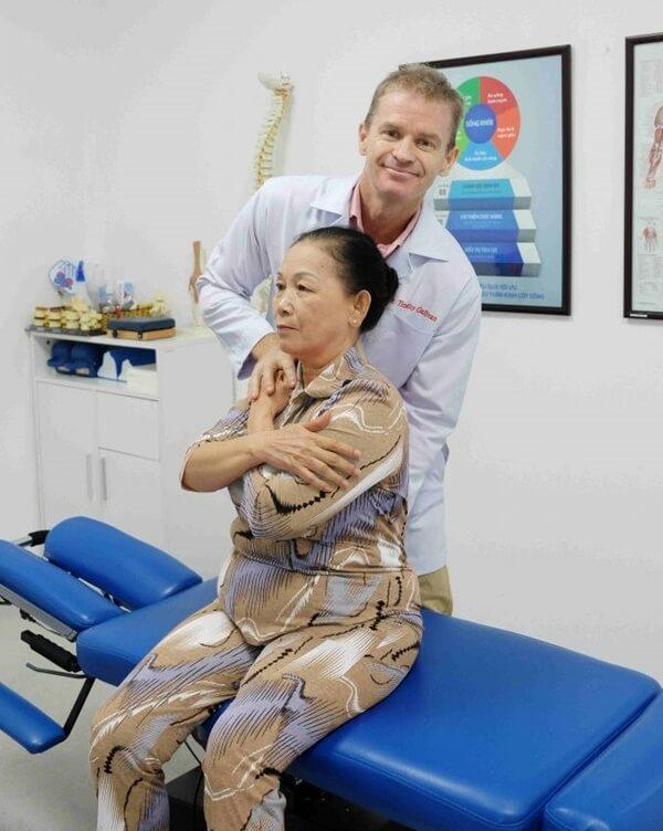 chữa bệnh đau nhức xương khớp tại phòng khám ACC