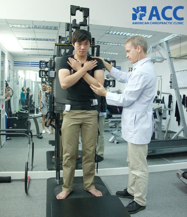 vật lý trị liệu cột sống chữa gai đôi cột sống