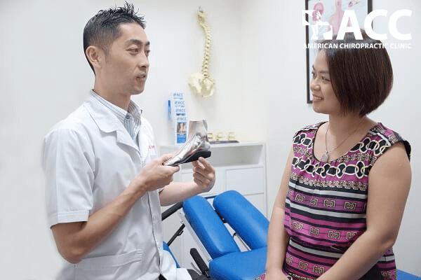 chữa bàn chân bẹt khi mang thai