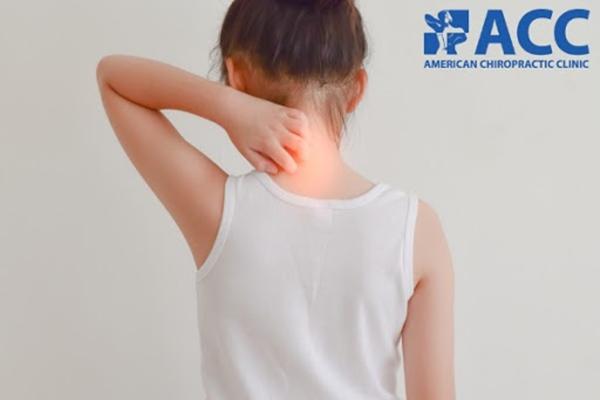 đau cổ ở trẻ em do gặp chấn thương