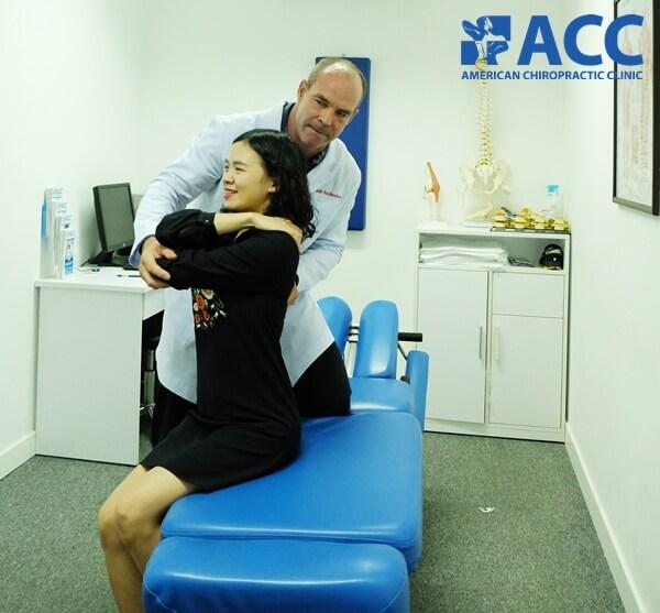 đau thắt lưng ở người trẻ