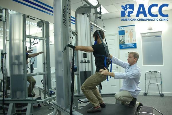 điều trị thoát vị đĩa đệm chèn dây thần kinh tại ACC