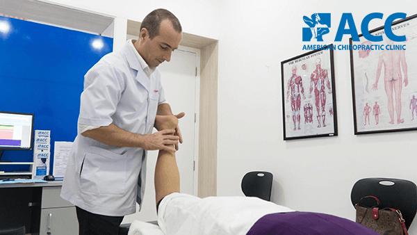 điều trị bong gân trật khớp tại phòng khám ACC