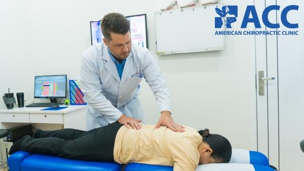 chữa thoát vị đĩa đệm cột sống thắt lưng không dùng thuốc hay phẫu thuật