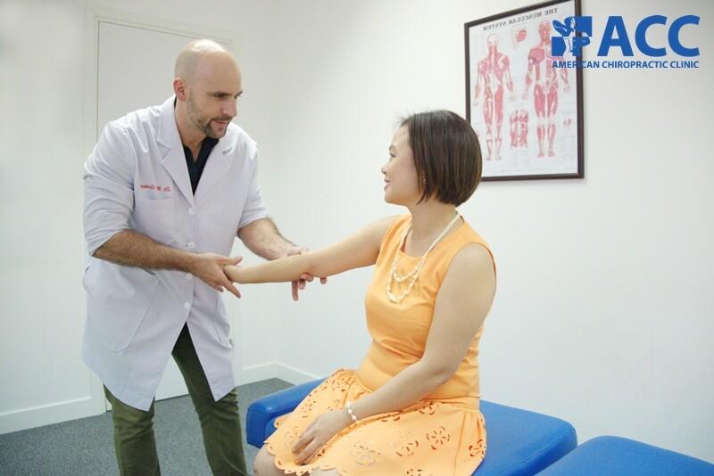 cách chữa đau khuỷu tay tại nhà