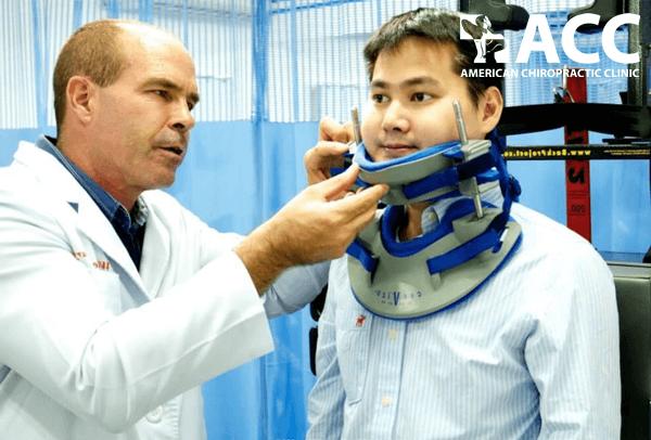 triệu chứng đau vai gáy và cách điều trị