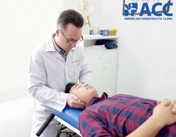 nắn chỉnh cột sống điều trị đau đầu do thần kinh cột sống