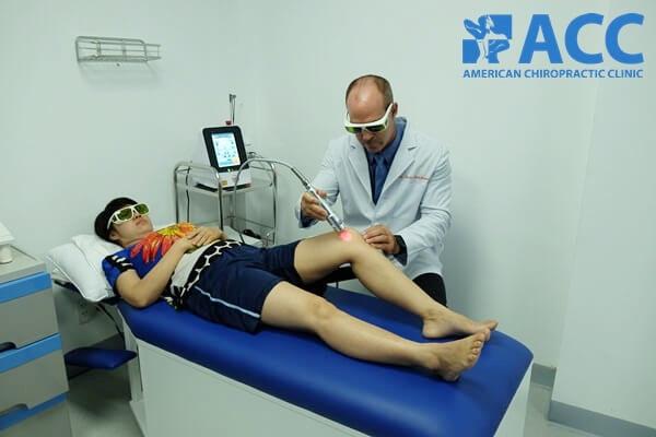 điều trị trật khớp gối tại acc