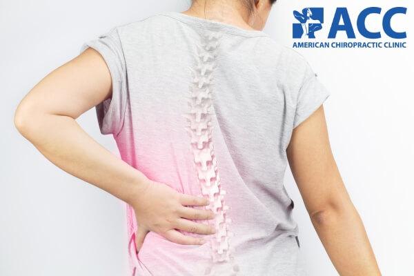 đau lưng dưới do cong vẹo cột sống