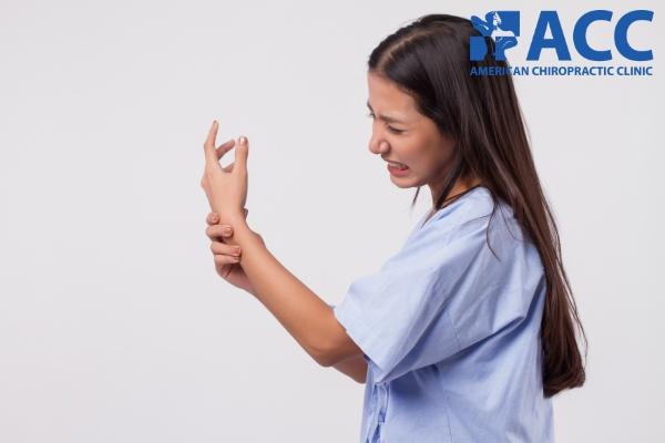 Phụ nữ dễ mắc hội chứng ống cổ tay hơn nam giới