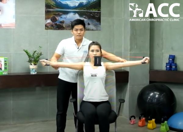 Bài tập căng cơ lưng trên